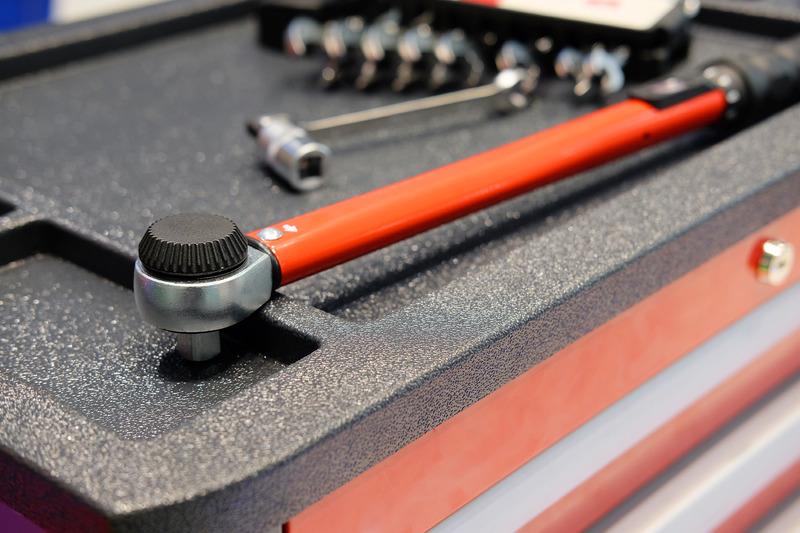 Kupiti voziček za orodje skupaj z orodjem?